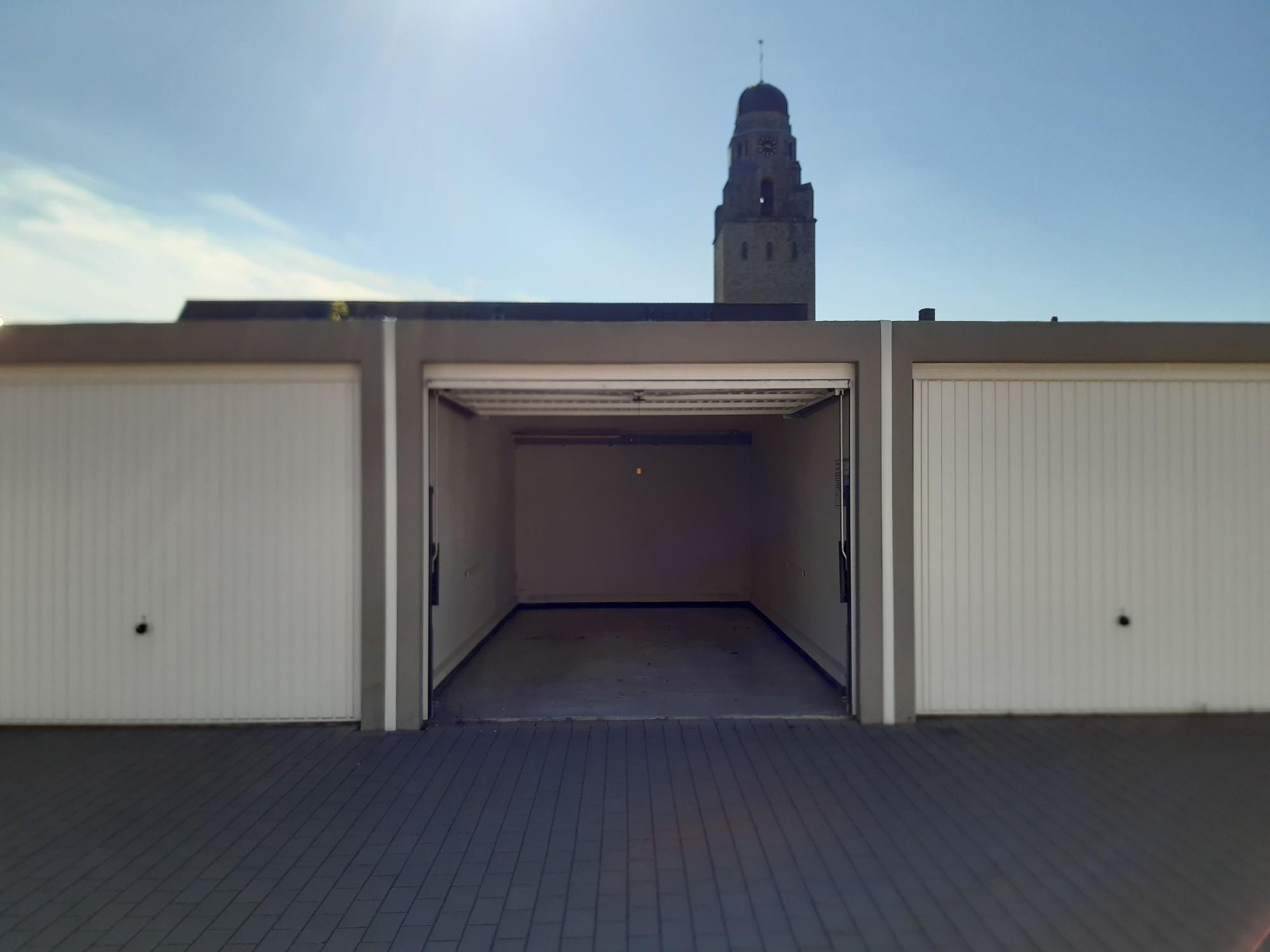 Ruime garagebox in Roeselare